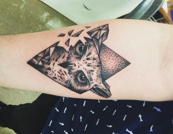 Eule Tattoo Ideen am Unterarm Innerseite