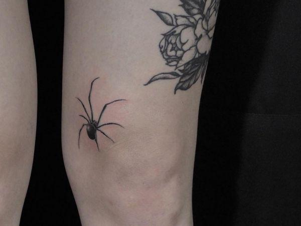 Spinne Tattoo Design auf der Bein