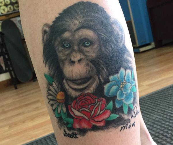 29 Affe Tattoo Ideen: Bilder und Bedeutungen
