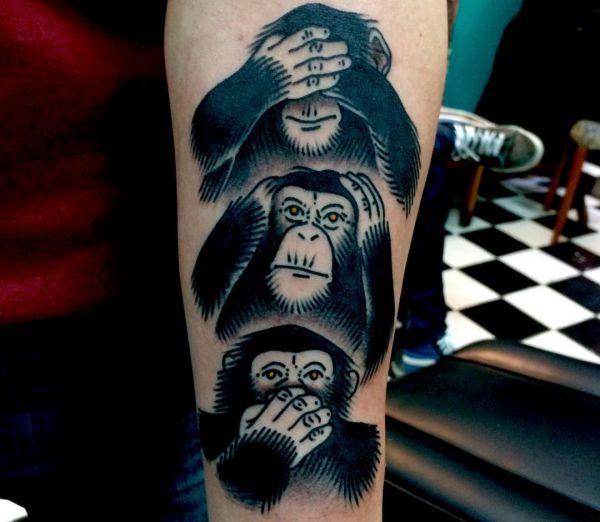 Drei Affen Tattoo Design am Unterarm