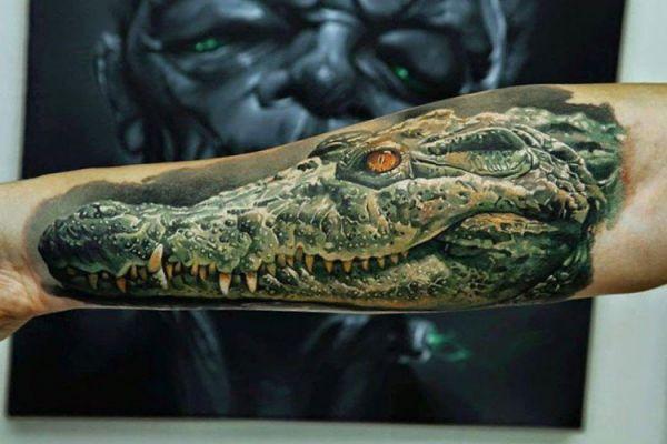 Krokodile Realistisch Design am Unterarm