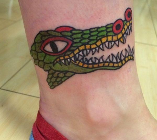 Krokodile Design am Knöchel für Frauen
