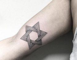 25 Stern Tattoo Ideen : Bilder und Bedeutungen