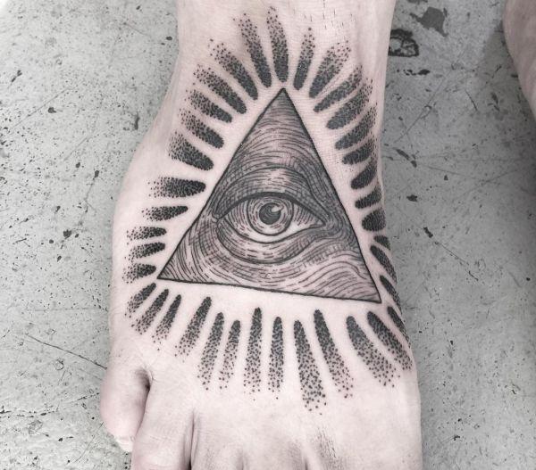 Auge von Providence Tattoo am fuß
