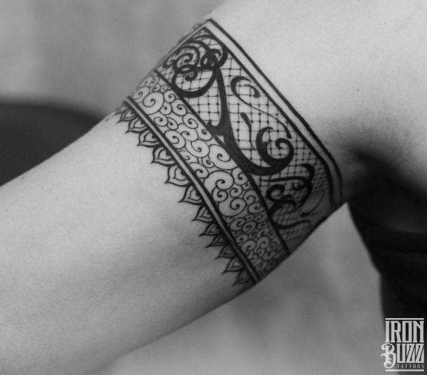 Spitze Armband Tattoos für Frauen
