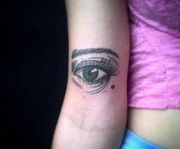 Das dritte Auge Tattoo auf dem Arm
