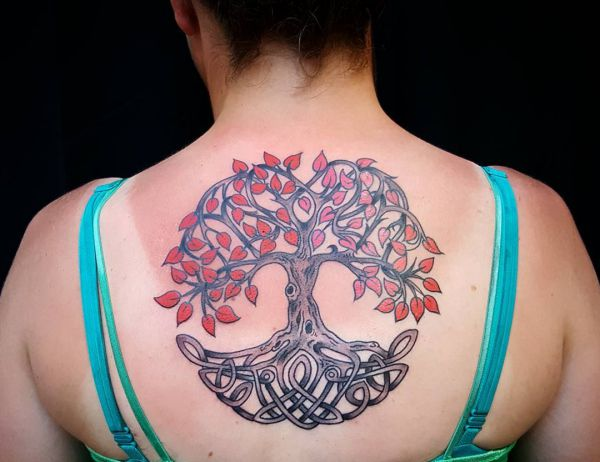 Keltisch Baum des Lebens Tattoo am Rücken
