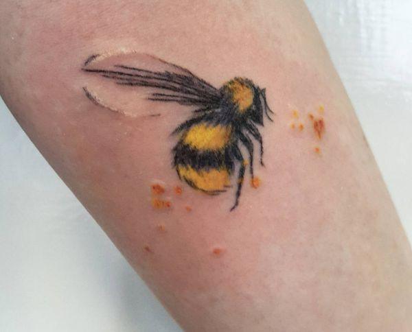 Aquarell Bienen am Unterarm