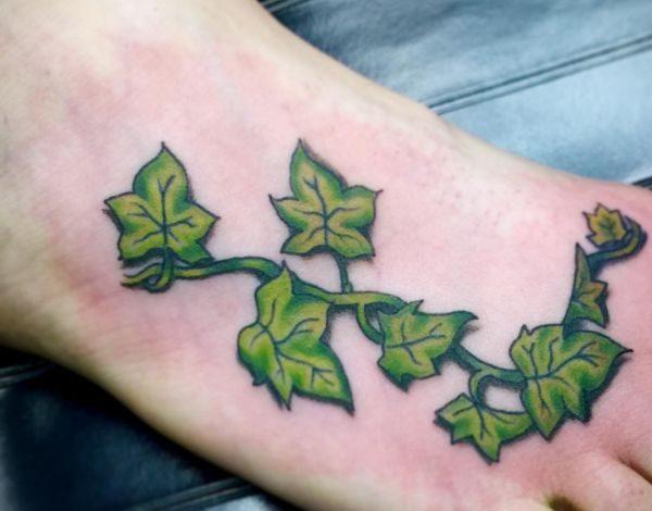 Efeu Tattoo Design am fuß
