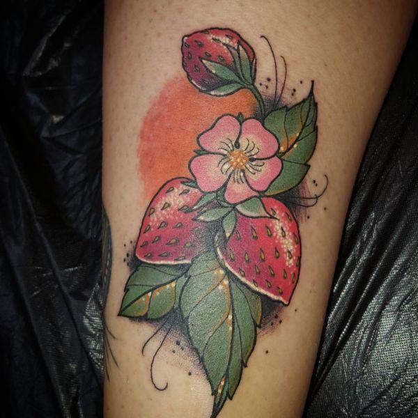 Erdbeere mit Blume Design