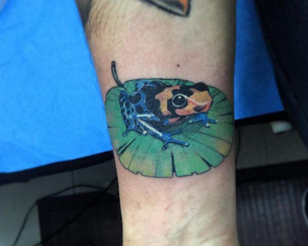 3D Frosch Tattoo am Handgelenk