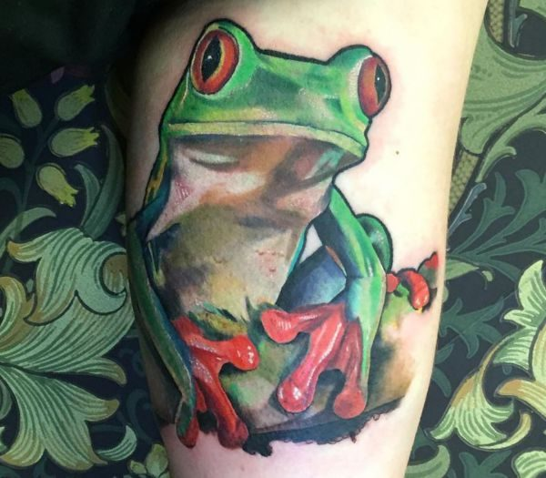 Realistisch Frosch Tattoo Design