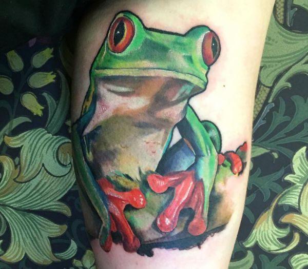 Realistisch Frosch Tattoo Design