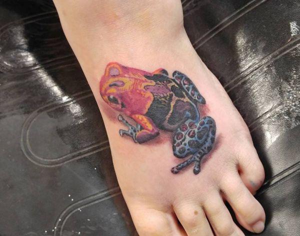 Bunte Frosch Tattoo Design am fuß