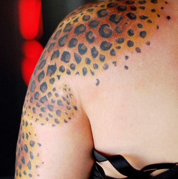 Gepard Muster am Schulter