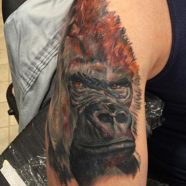Realistisch Gorilla Design am Oberarm