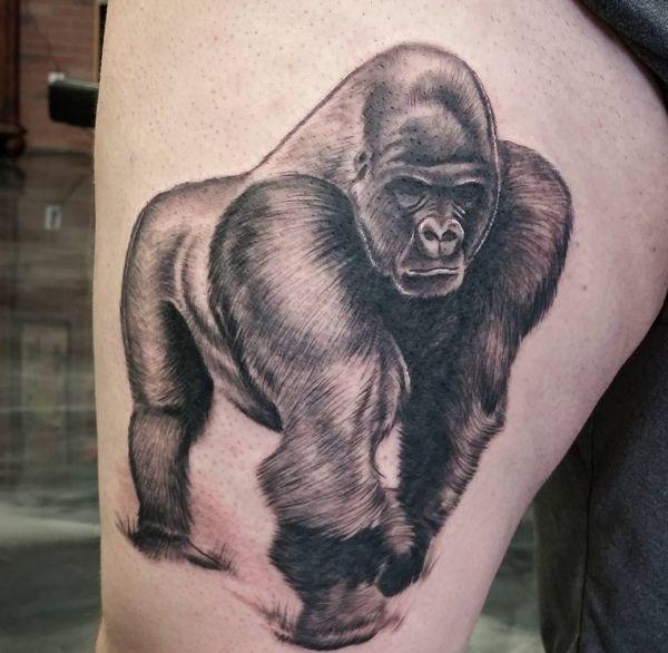 Gorilla Tattoo Design am Oberschenkel