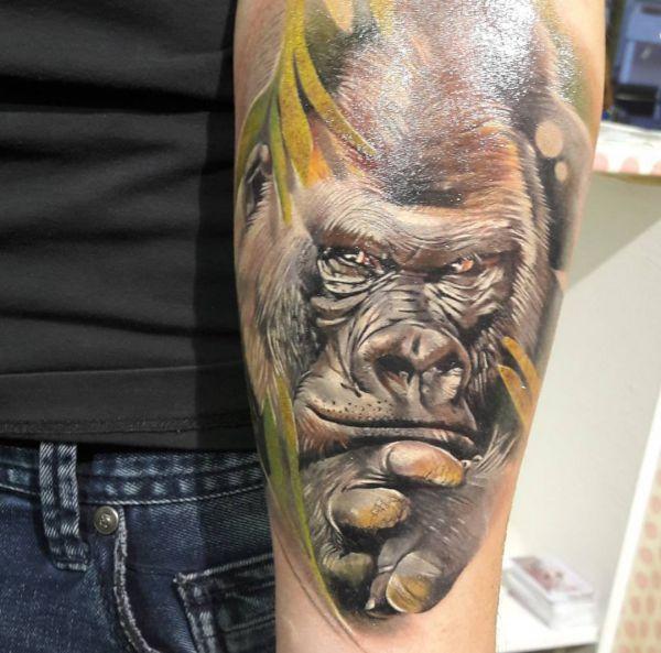 Gorilla Kopf Porträt Tattoo Design auf dem Arm