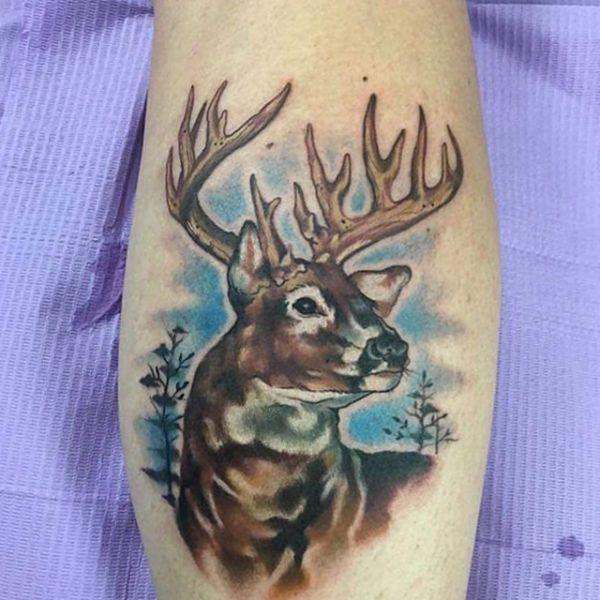 Portrait Hirsch Tattoo Design auf der Bein