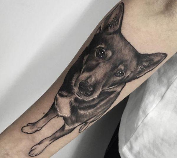 Realistisch Hunde auf dem Arm Schwarz und Weiß