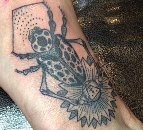 Käfer Design Tattoo Ägypten schwarz und weiß