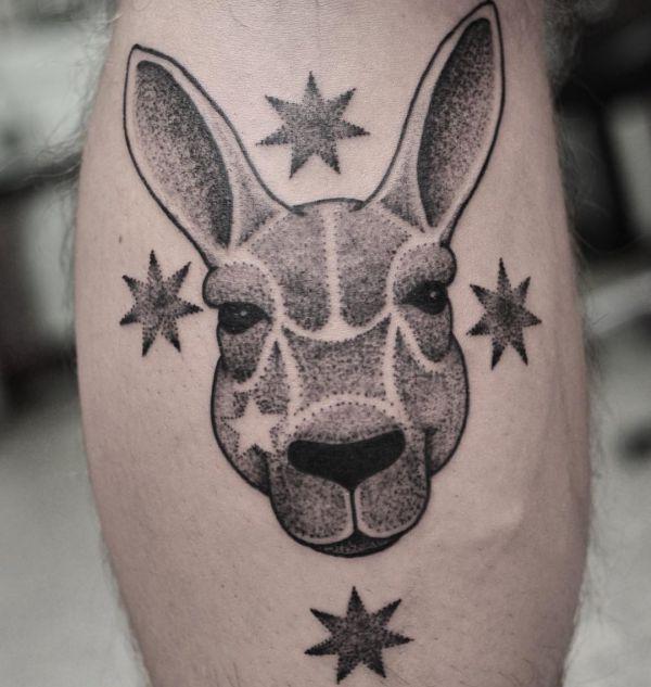 Känguru mit Sterne Design auf der Bein Dotwork