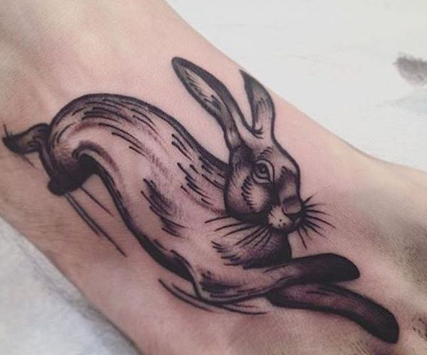 Kaninchen Tattoo Design am Fuß