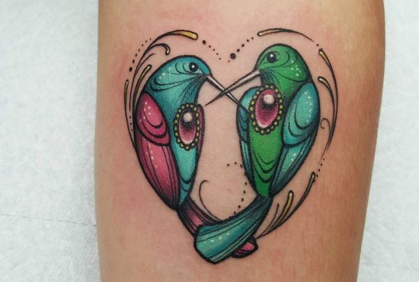 Zwei Kolibris Tattoo am Unterarm
