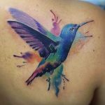 23 wunderbare Kolibri Tattoos – sie stehen für Freude
