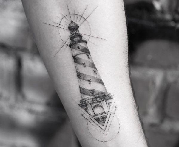 Leuchtturm auf Unterarm Innerseite