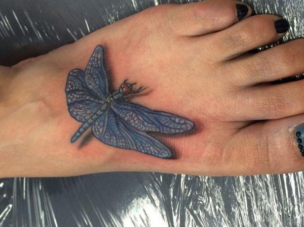 3D Tattoo Libelle am fuß