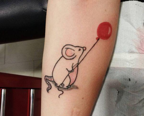Maus mit Ballon Design am Unterarm