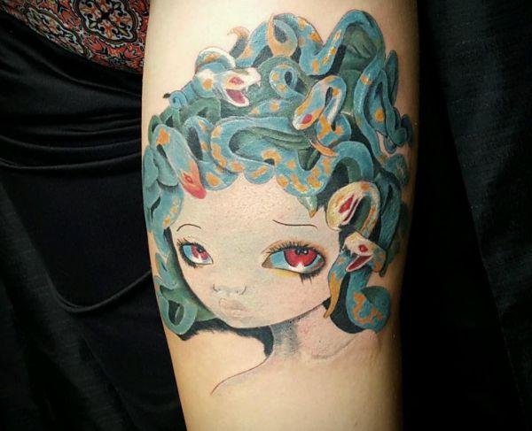 Medusa Design am Unterarm