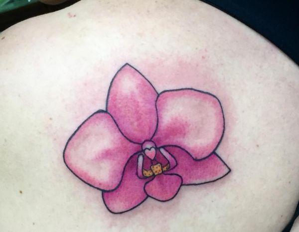 Orchidee Tattoos - 25 Ideen, Bedeutungen und Entwürfe