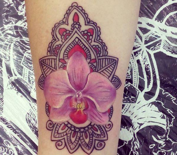Mandala Orchidee Rose Design auf der Bein