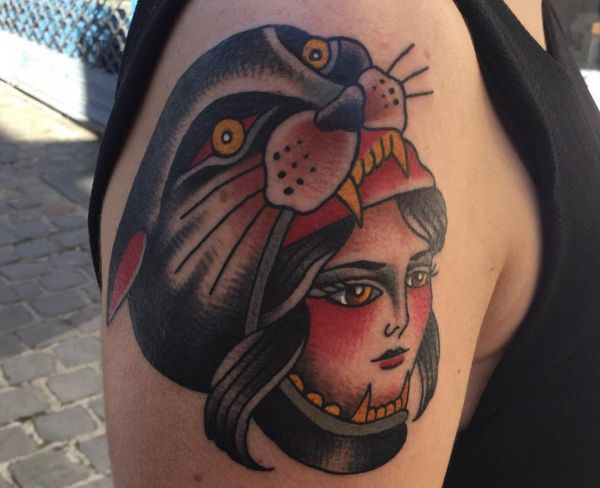 Aztec Panther Tattoo am Oberarm