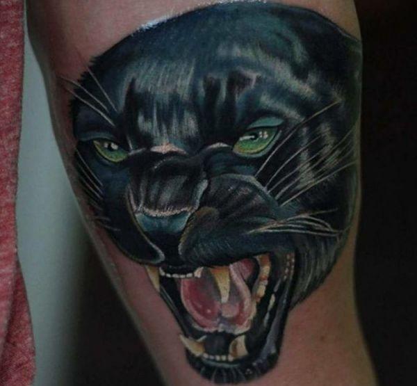 3D Schwarzer Panther am Oberarm