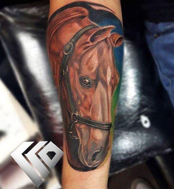 Realistisch Pferdekopf Tattoo Design auf dem Arm