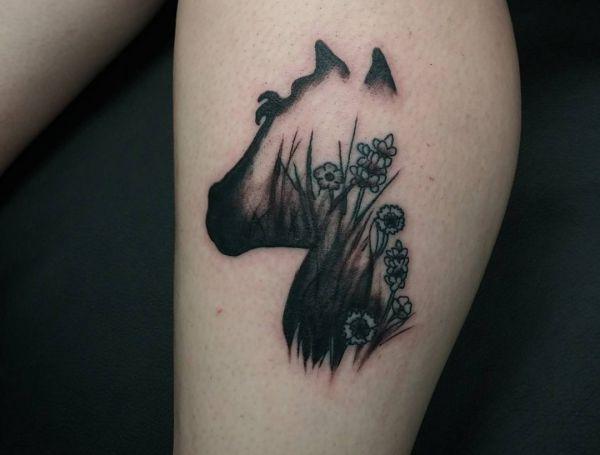 Abstract Pferd Tattoo auf der Bein