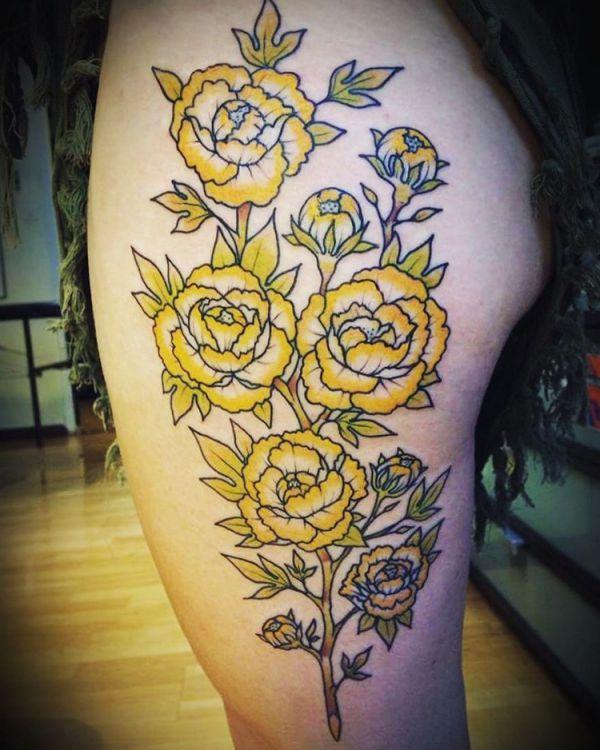 Pfingstrosen Gelb Tattoo Design am Oberschenkel