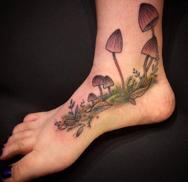 Pilz Tattoo Design am fuß