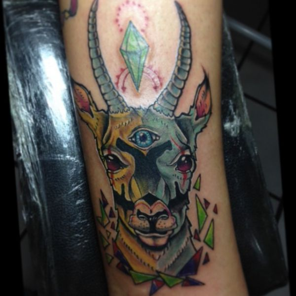 Abstract Tattoo Gazelle auf der Bein
