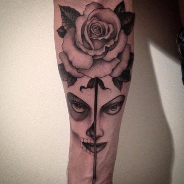 Rose und la catrina Design auf dem Arm