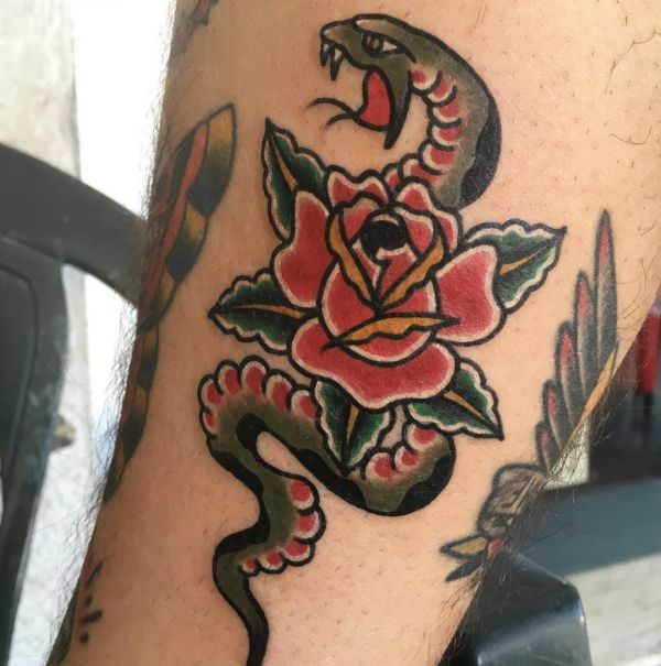 Rose mit Schlange Tattoo Design