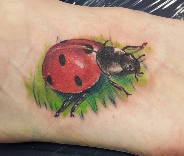 Marienkäfer Fuß Tattoo