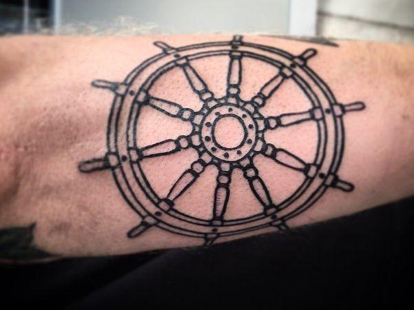 Schiffs-Rad am Unterarm