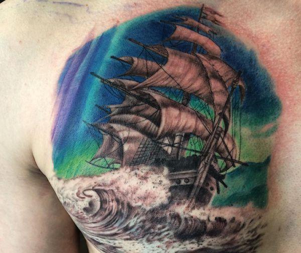 Segelschiff am Brust der männer