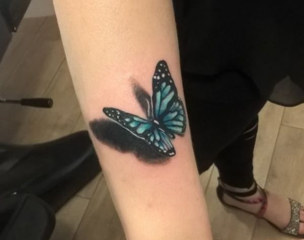 3D Schmetterling Tattoo Design am Unterarm