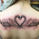 18 herrliche Schwan Tattoos und ihre Bedeutung