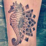 21 Seepferdchen Tattoos – als Tattoo steht das Tier für Geduld